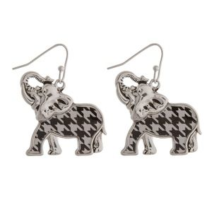 🐘NWT *BOUTIQUE*  🏈HOUNDSTOOTH ELEPHANT EARRINGS